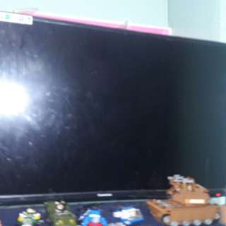 tv 32  inches changhong 9 months used