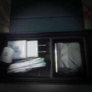 Repriced! Original! Set of Samsung Charger And Earphones