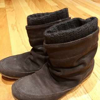 Town Shoes - Size 6 boots