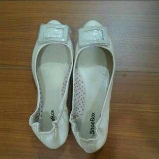 達芙妮鞋子 ♡全新♡ 低跟鞋 娃娃鞋