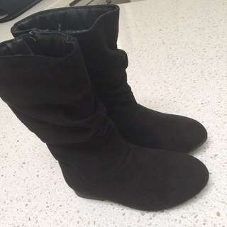 Girl boots size 8 toddler