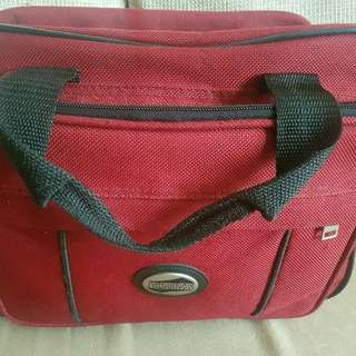 American Tourister Red Hand Carry/Shoulder Bag