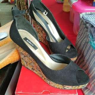 Sepatu Merk Juliar