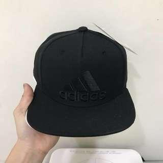 Adidas棒球帽 黑白各一