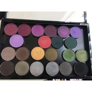 BULK MAC Cosmetics bright eyeshadow refills palette