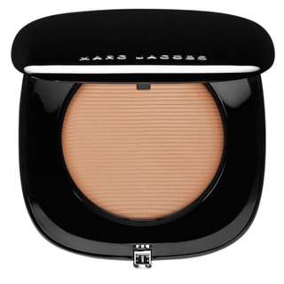 Marc Jacobs Beauty Perfection Powder - Featherweight Foundation RRP$68