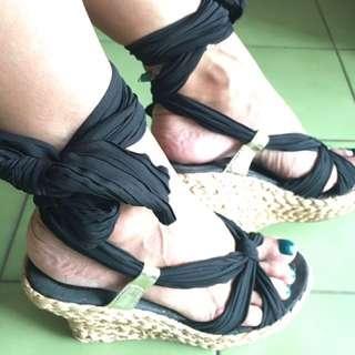 🚚 時尚綁帶楔型涼鞋