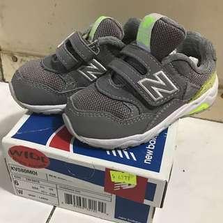 灰色 NB580