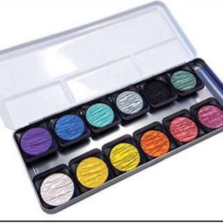 Finetec mica Watercolor Set for Brush lettering come in FREE Metal Casing