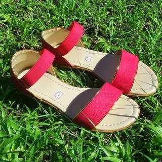 Amyra Flat Sandals