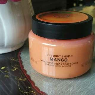 The Body Shop Manggo Exfoliating Sugar Body Scrub