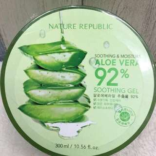 Nature REPUBLIC ALOE VERA 92% soothing gel.