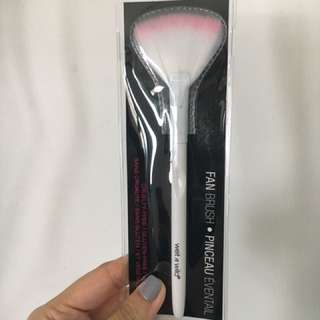 Fan Brush by Wet and Wild