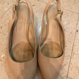 Sling back nude shoes
