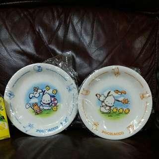 pc狗 pochacco 2001年日本銀行出的大陶瓷碟1套2隻(罕有)