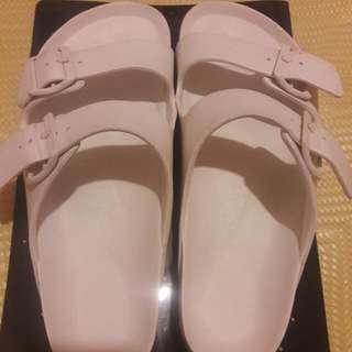 Air walk 白色拖鞋