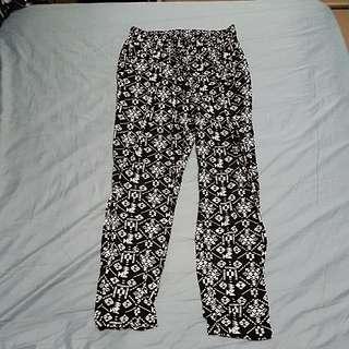 B&W Print Pants Size L