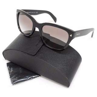 Auth Prada Black sunnies with case and cloth