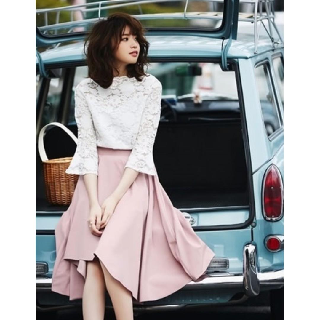 全新 日本 GRL挺版面料下擺圓弧造型美腳女孩圓裙