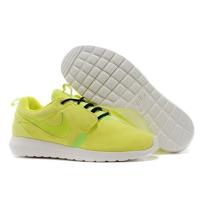 aae244185a0a 香港正品熱賣NIKE ROSHERUN NM ROSHE RUN 麂皮輕量慢跑鞋顏色螢