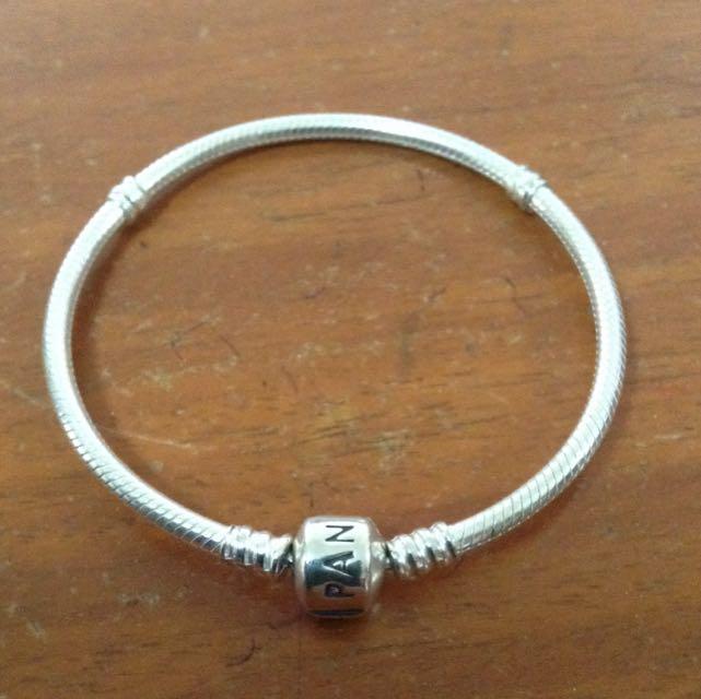 19cm Authentic Pandora Silver Clasp Bracelet Preloved Women S