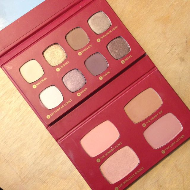 BareMinerals The Regal Wardrobe Palette