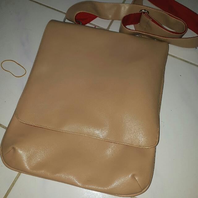 BKK - Slinging Bag