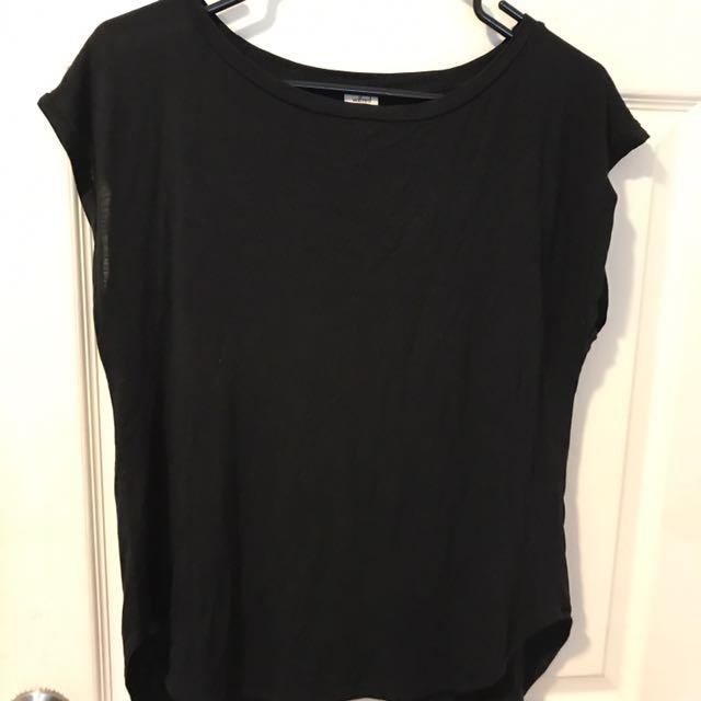 Black Aritzia Small Open back shirt