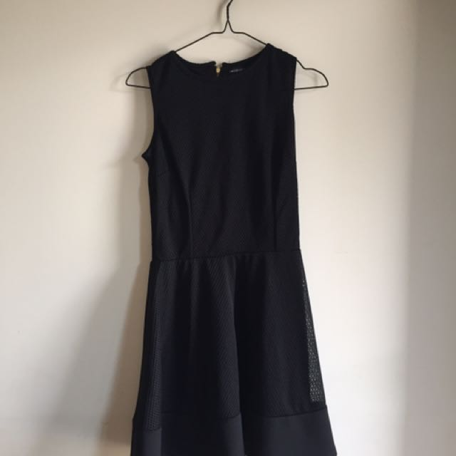 black sleeveless dress by colorbox