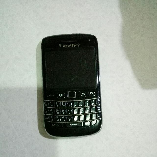 Blackberry Bolt Warna Hitam