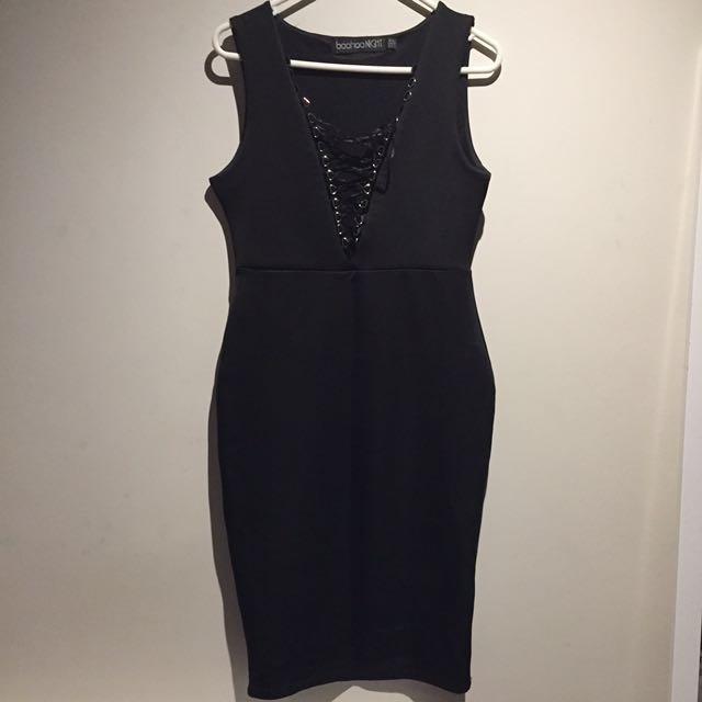 Boohoo black bodycon dress