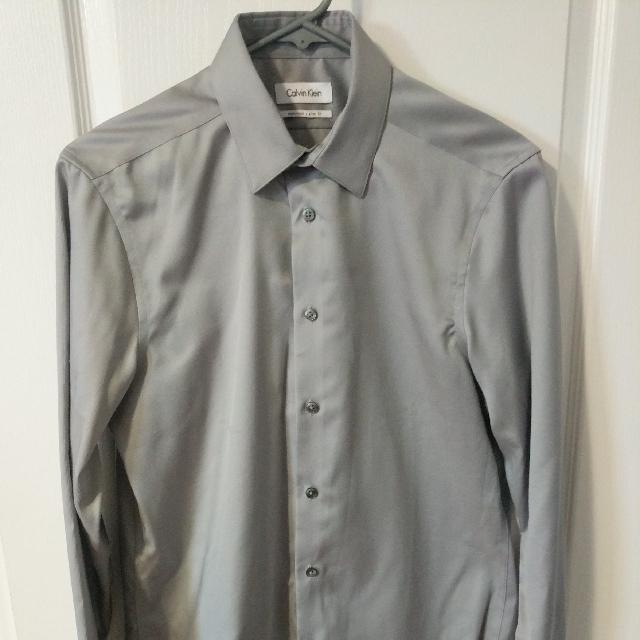 Calvin Klein Slim Fit Dress Shirt. Size M