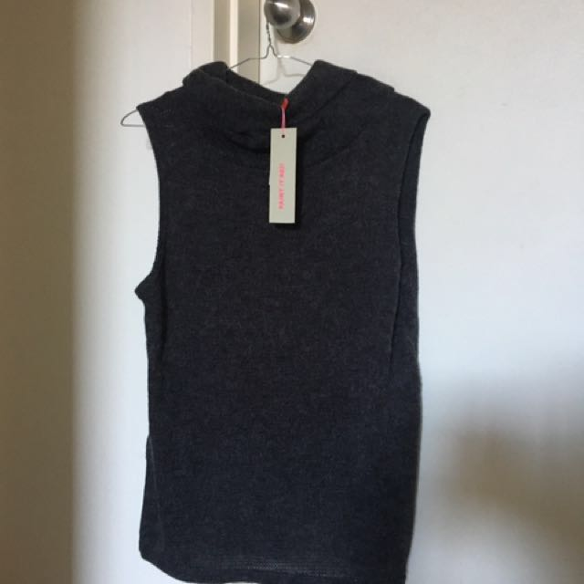 Charcoal, sleeveless top, Size M