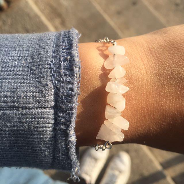 Chipped Stone Bracelet (Rose Quartz)