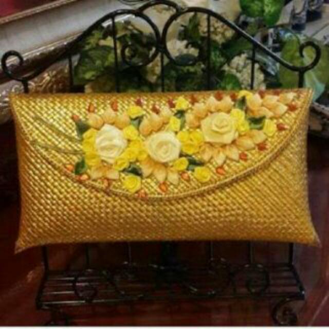 Clutch Anyaman Bunga Hand Made