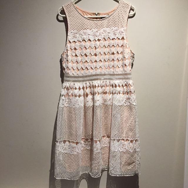 Dotti lace dress