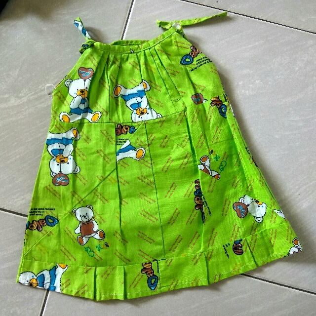 100 4pcs Dress Bayi Cantik