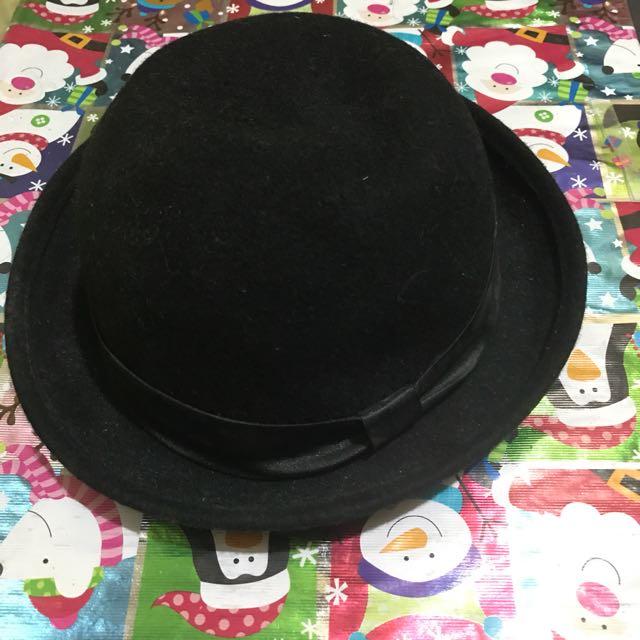 137c25f8c H&M Divided black boater hat