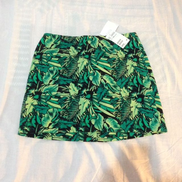 H&M leaf skirt