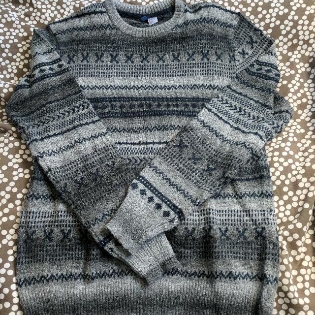 H&M Sweater. Size M
