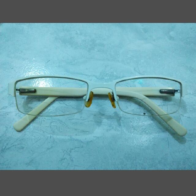 Kacamata Lensa Minus 300