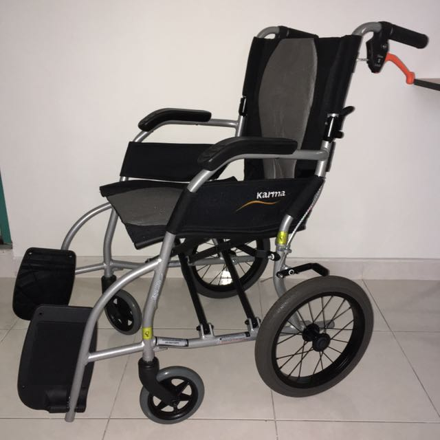 Karma Folder Wheelchair (LIGHTLY ONCE)