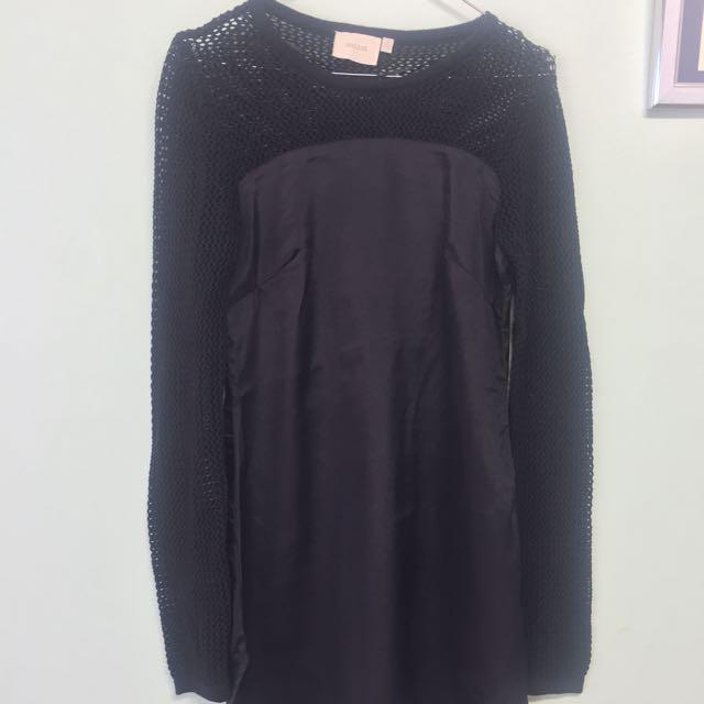 Knit sleeve dress