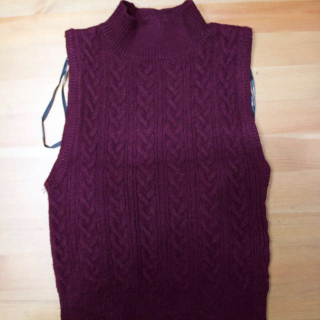 #Malaysia54 H&M Red Knitted Crop Top