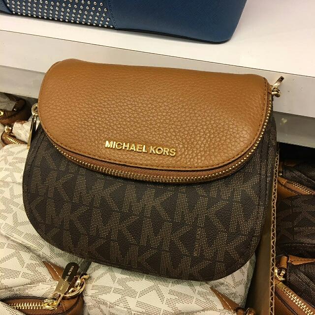 a90b78e55 ... clearance michael kors bedford signature flap crossbody in brown acorn  fesyen wanita beg dan beg duit
