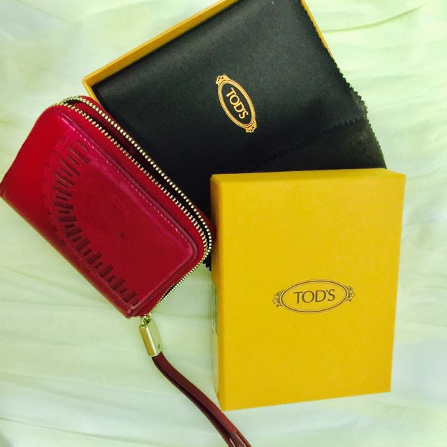 a97a46fbff NEW: Authentic Tod's Patent Leather Zip Pink Wallet, Luxury, Bags ...