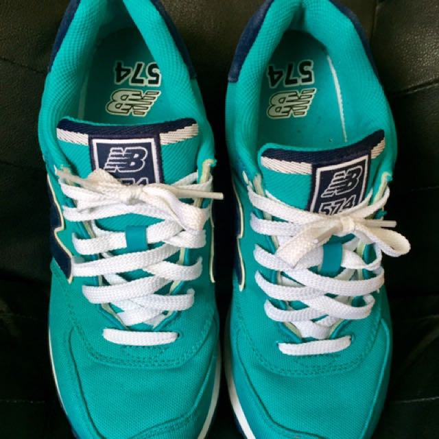 New Balance 574 turquoise teal Size 9