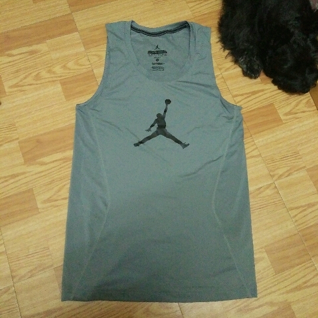 Nike灰色運動背心