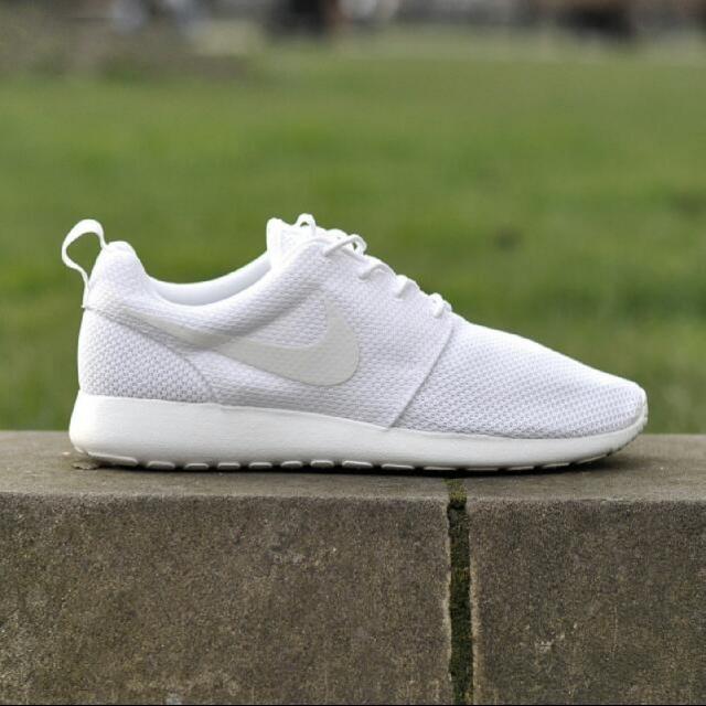 7c26e2861c31 Nike Roshe One - Triple White US7