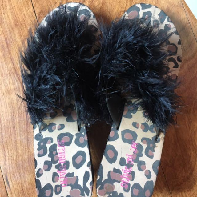 Olivia Miller Sandals (US)